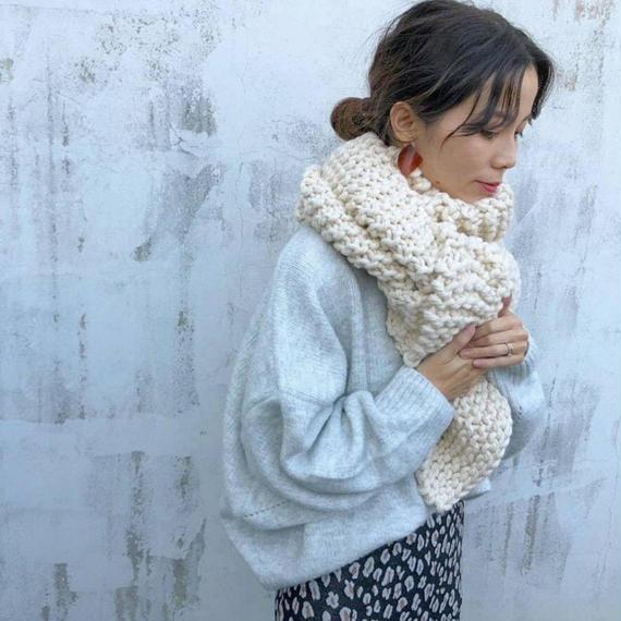 ざっくり編みマフラー