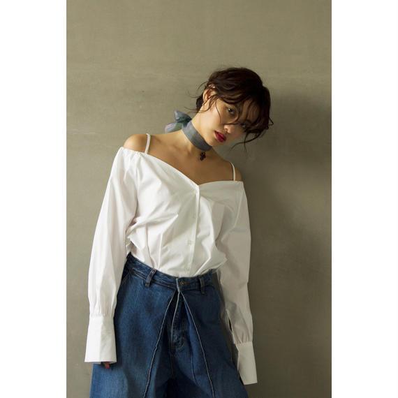 Strap Off Shoulder Shirt (White/Black)(tp230)