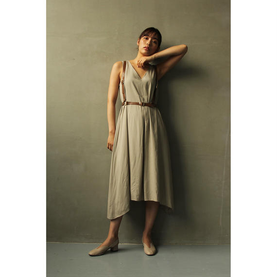 V Necked A Line No Sleeves Dress (ds097)