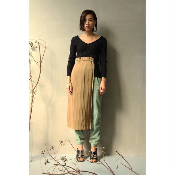 Apron Wrap Pleats Skirt (Black/Khaki)(bt195)