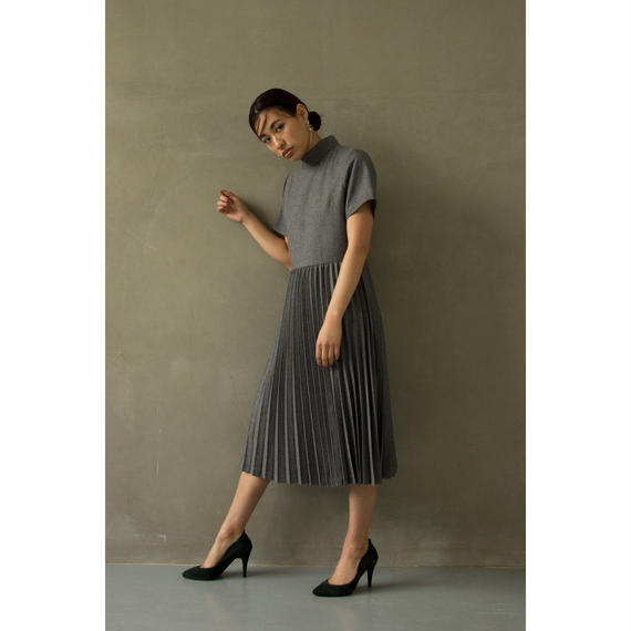 Hi Necked Pleats Midi Dress (Gray/Navy)(ds073)
