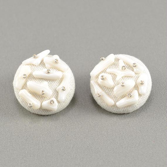 白珊瑚のピアス