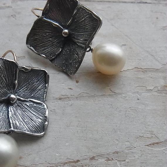 hydrangea 紫陽花pierced earrings