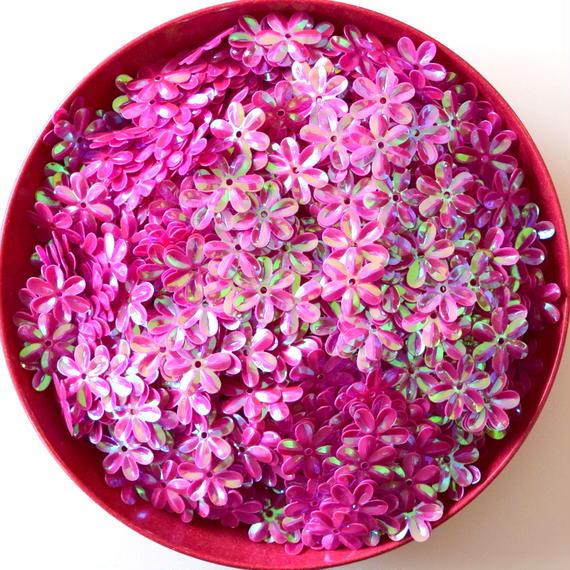 花の形の スパンコール ピンク AB カラー 800枚セット(約15×14mm)(B425)