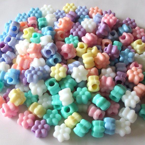 カラフルクリーム色の花形ビーズ 100個セット(約12mm×11mm、厚み約7.3mm) (B378)