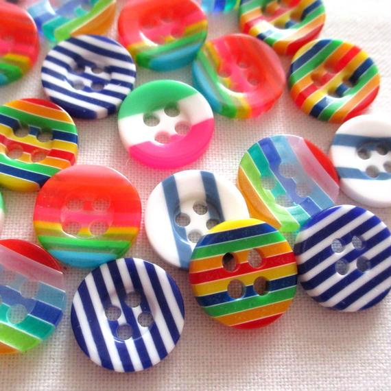 カラフル模様のプラスチックボタン 6種類30個セット(13mm) (040)