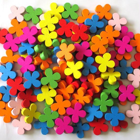 カラフル可愛い花の形のウッドビーズ 100個セット(約19mm)(B054)