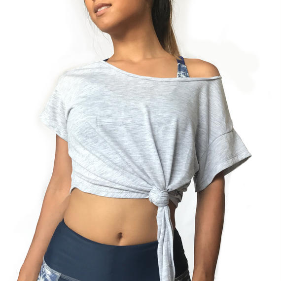 FIT2: SEA SHELL CROP TOP - GRAY