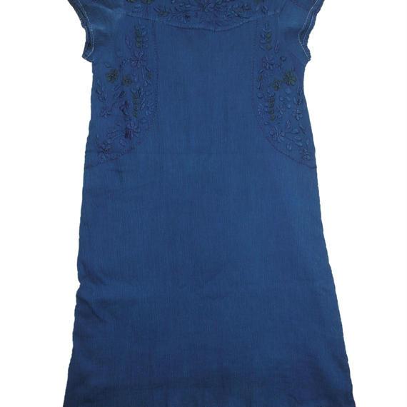 藍染め刺繍入りワンピース