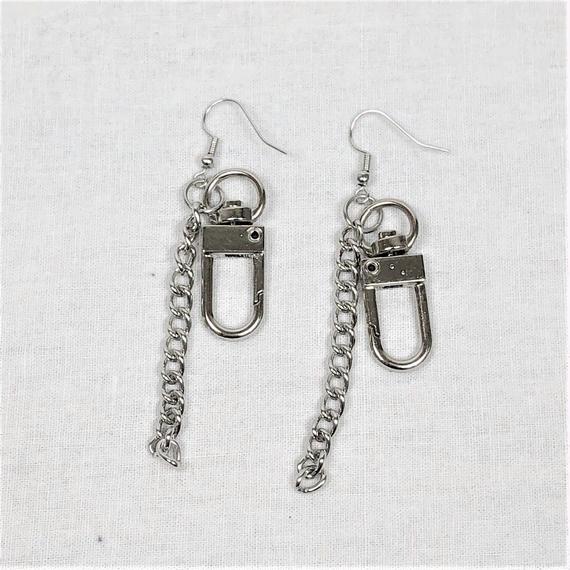予約注文受付10/29-11/8[Hand made]Chain Swivel Hook Earrings
