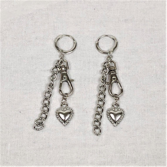 予約注文受付11/26-12/22[Hand made]Chain Swivel Hook Heart Earrings