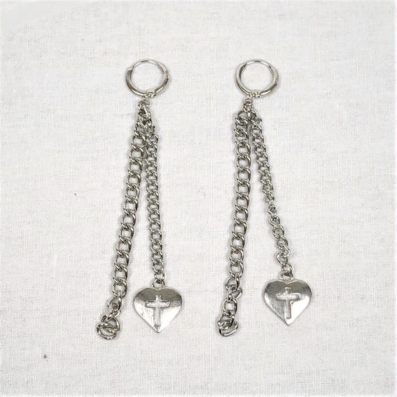 予約注文受付11/26-12/22[Hand made]Heart Cross Chain Earrings