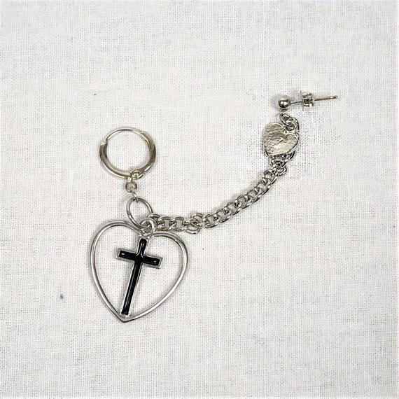 予約注文受付10/29-11/8[Hand made]Cross Heart Chain Double Earrings