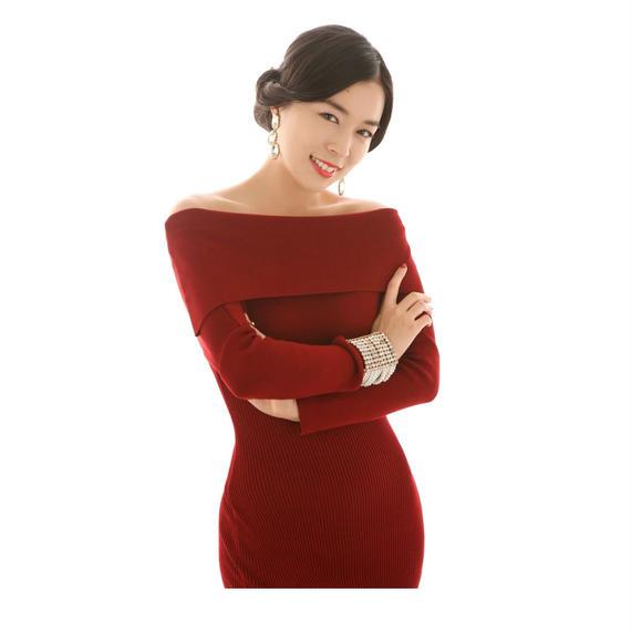 女優ラインニットドレス