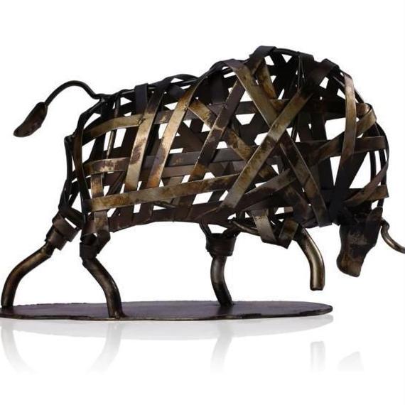 鉄 牛 金属彫刻 鉄編み 置物 ホームアート デコレーション