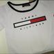 新品  Tommy Hilfiger トミーヒルフィガー 人気Tシャツ へそ出し 半袖 人気商品 2色