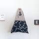 """バッグ """"Triangle: frill bird"""""""