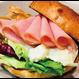 WP PIZZA(ウルフギャングパック ピッツァ)/ロースハムとポテトサラダのサンドウィッチ