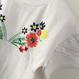 刺繍風バタフライカットソー