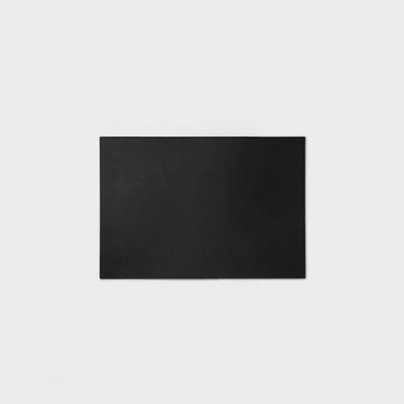 LEATHER DESK MAT S【レザーデスクマット S / ブラック】