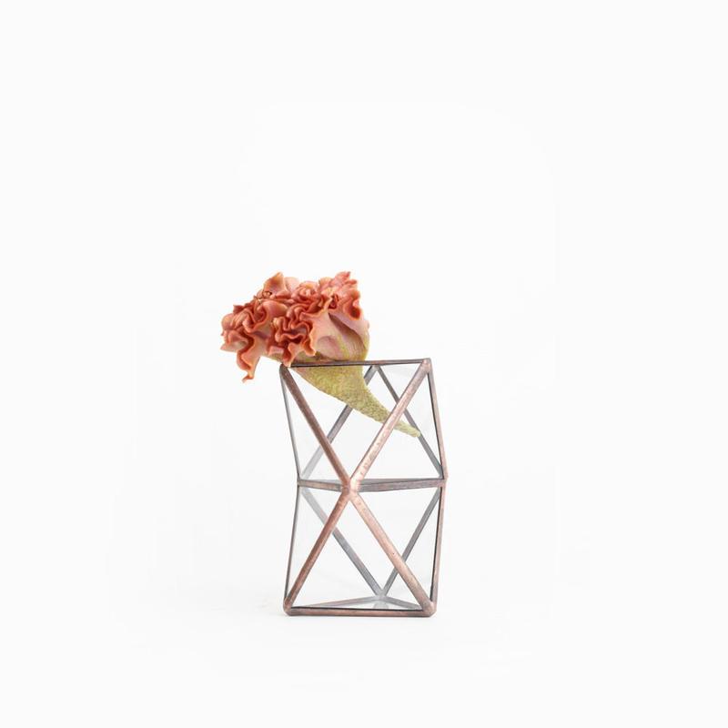 Trianglar Twist Vase [Copper]