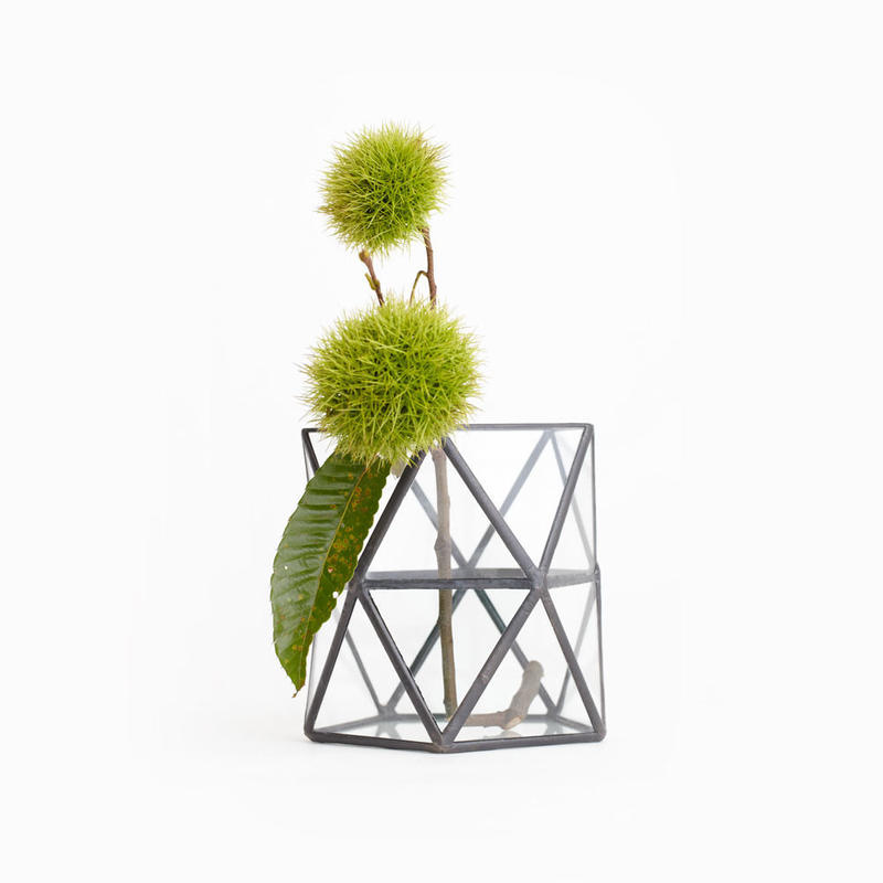 Pentagonal  Twist Vase    [Black]