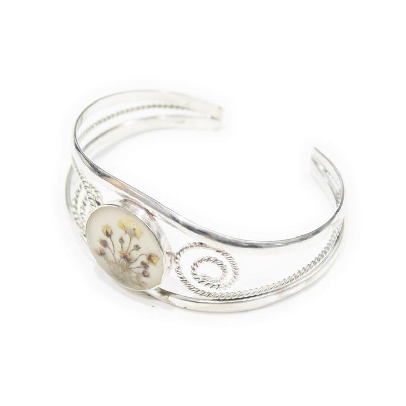 niche. argentina / Flower wide bracelet