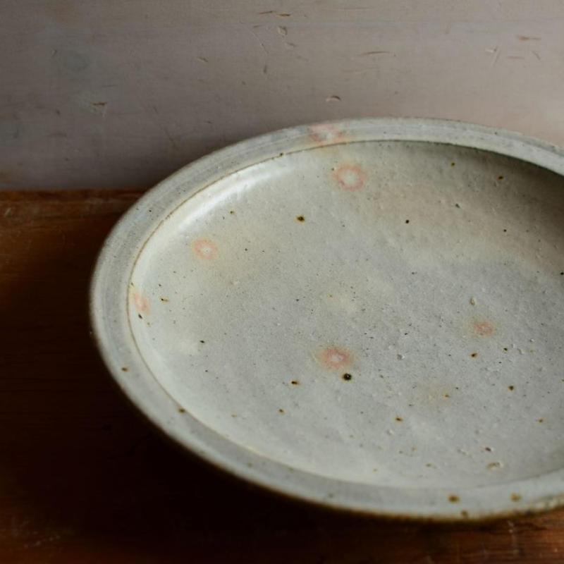 長野大輔さん 粉引8寸皿