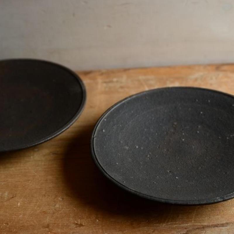 恵山(小林耶摩人さん)  黒釉 5寸皿
