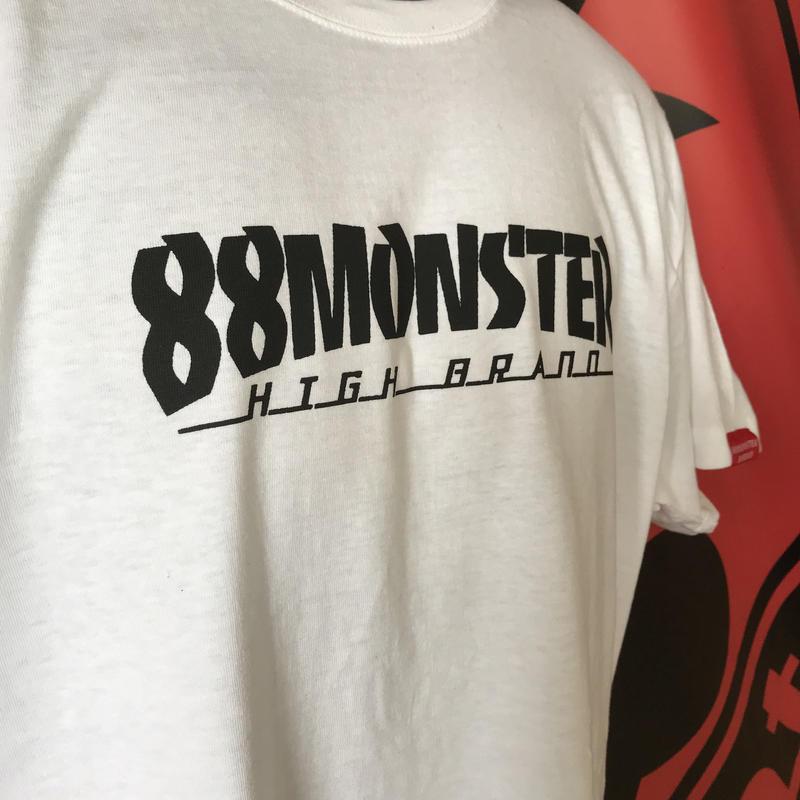 文字ロゴTシャツ 白/黒