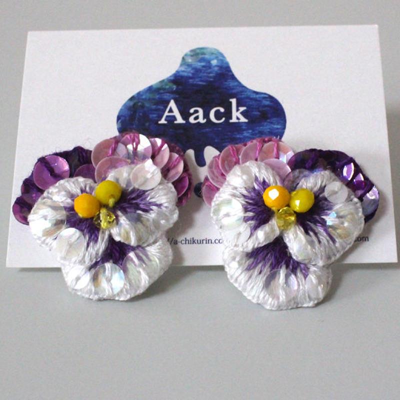 白色×紫ビオラピアス4