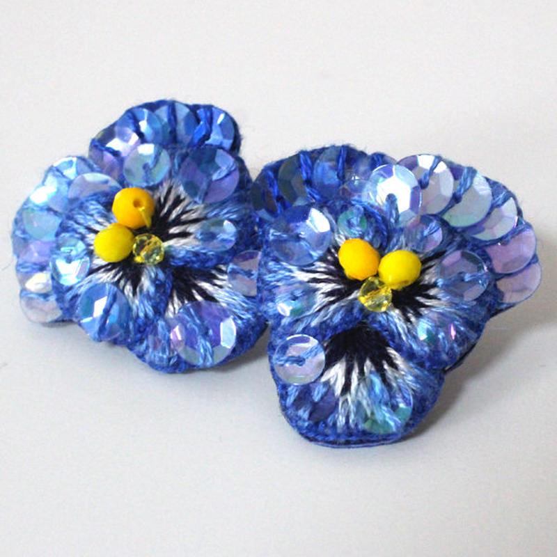 青ビオラピアス2