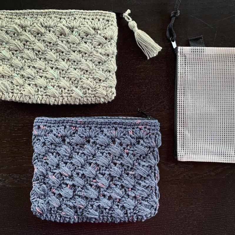 送料込み  レイヤーシェル模様の縫わないファスナーポーチ-印刷済み編み図のみ