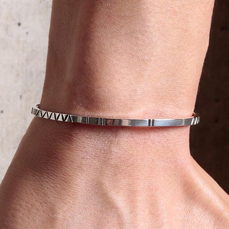 NORTH WORKS 900Silver Square Narrow Cuff Bracelet2 W-044