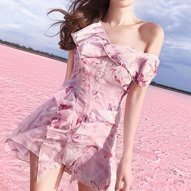 リゾート花柄ミニワンピース☆ フリル Vネック フラワープリント リゾートワンピース オルチャン 韓国 ファッション W2003