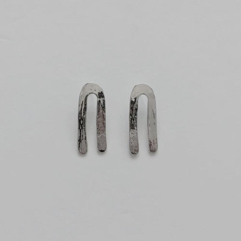 U pierced earrings