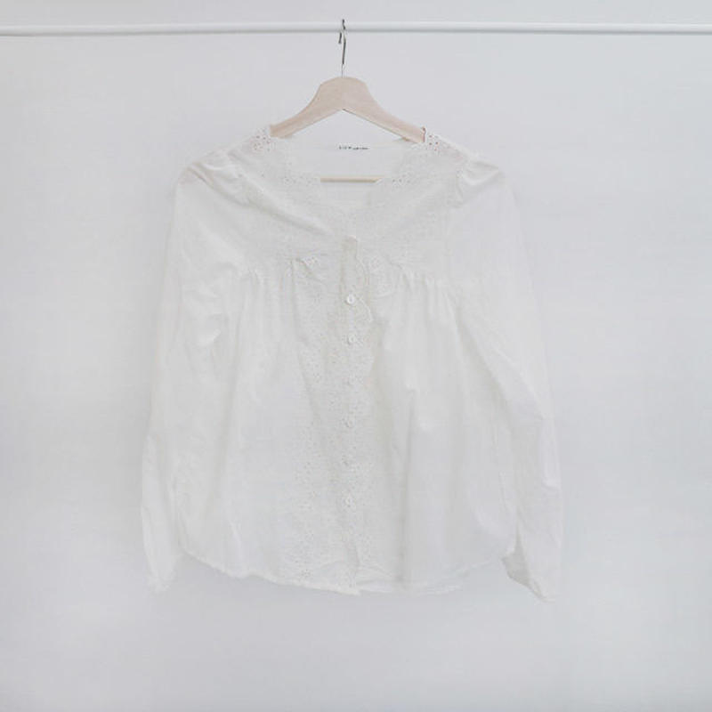 [ sample SALE ] scallop lace blouse