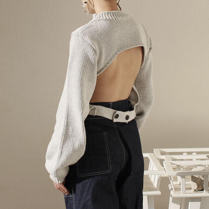 back opened volume sleeve knit