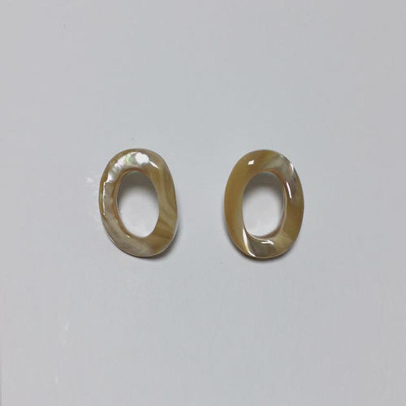 oval shell pierced earrings
