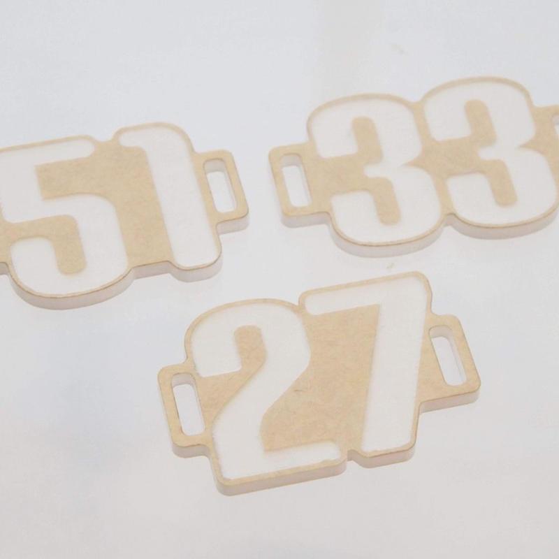 スニーカープレートナンバー2桁