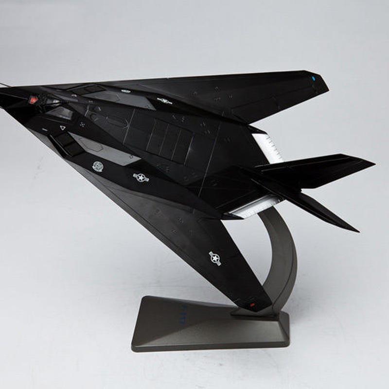 【新品】1/48 F-117 ナイトホーク エフ・ワン・セブンティーン ステルス機 モデルエアクラフト 航空機
