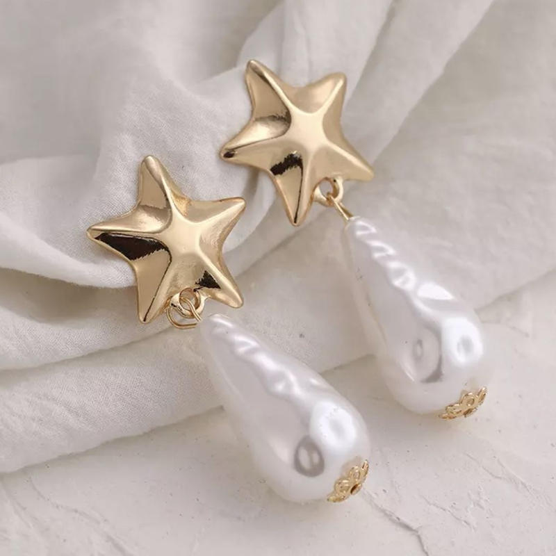 gold star drop pearl  pierce