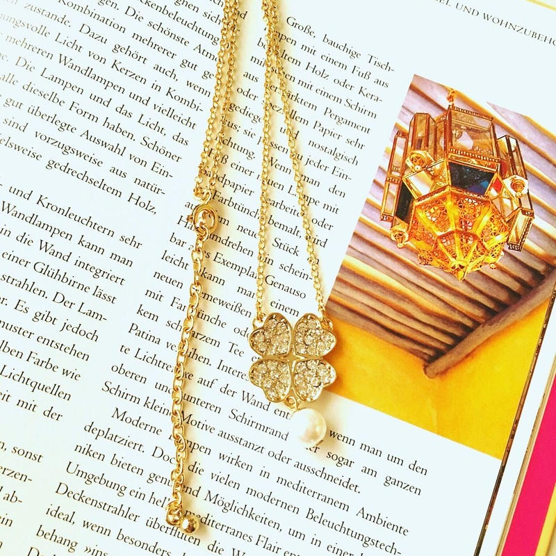 clover  perl  necklace