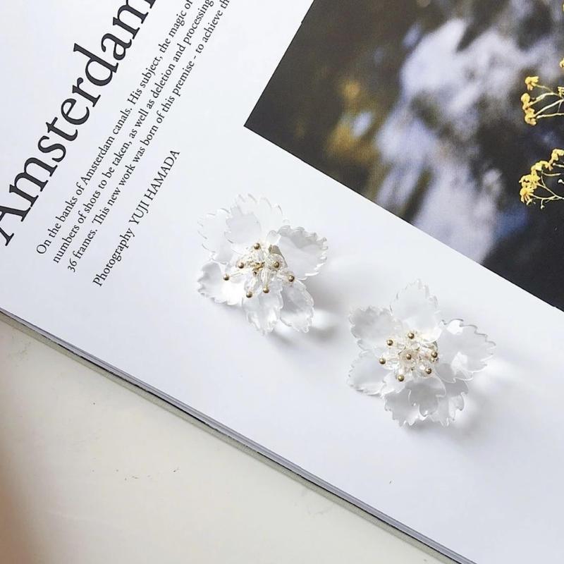 clear flower  pierce