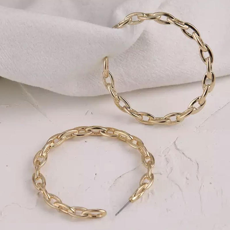 chain gold hoop  pierce