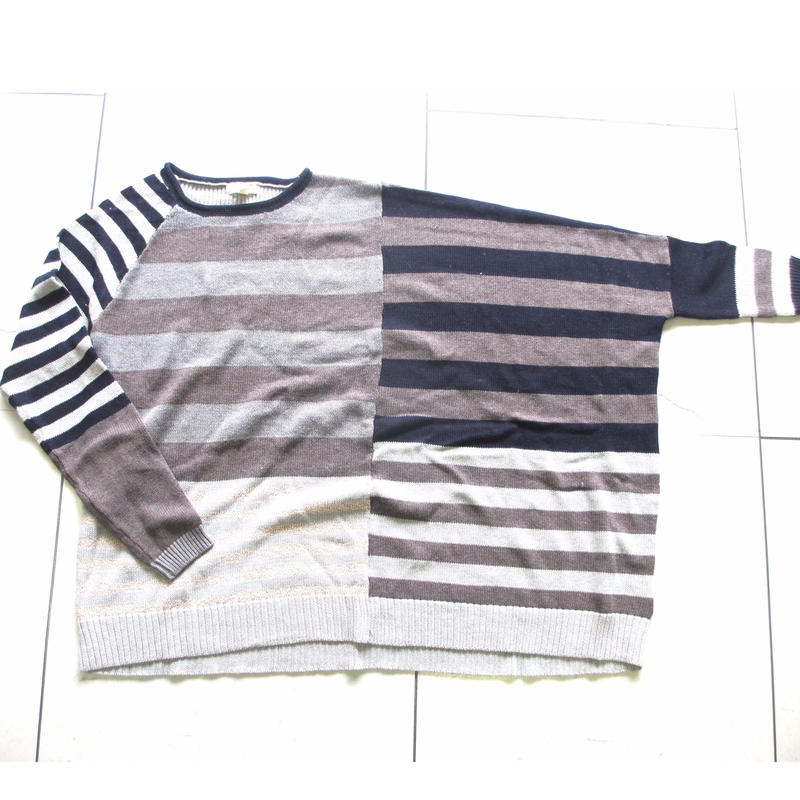 Asymmetry border knit