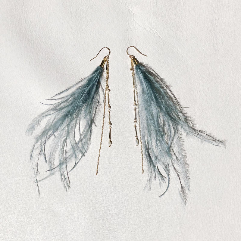 Smoky color Feather Pierce -Green-