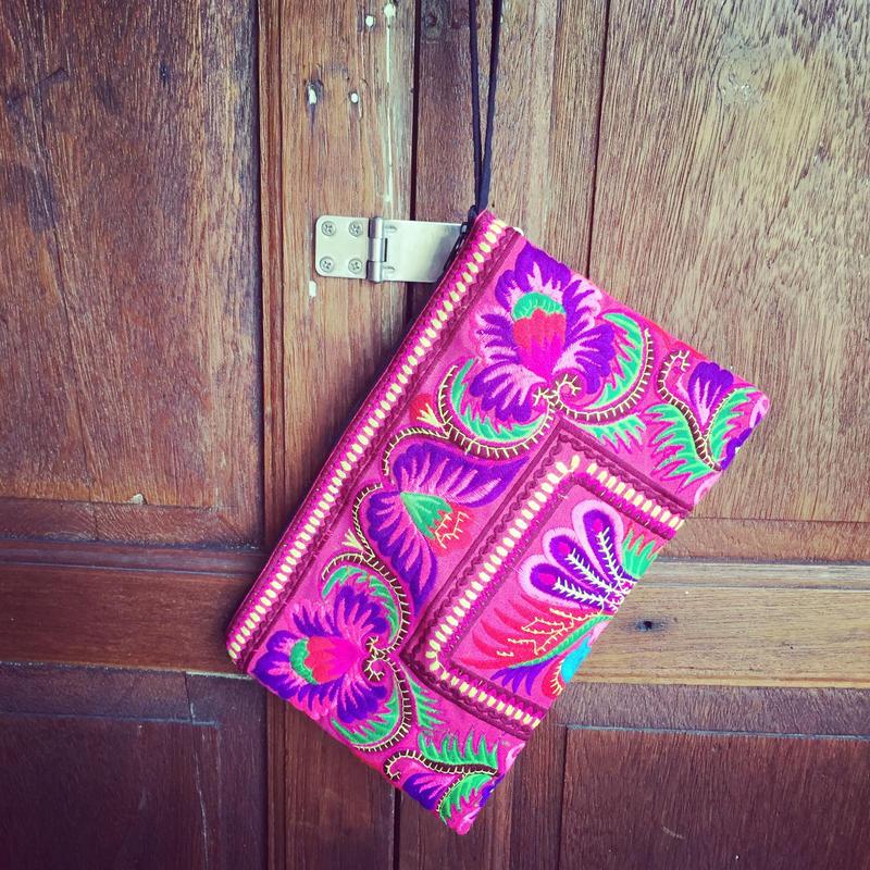 民族刺繍クラッチバッグ