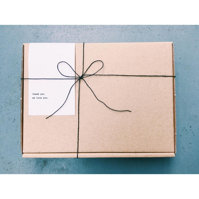 Gift Wrapping Box (A)