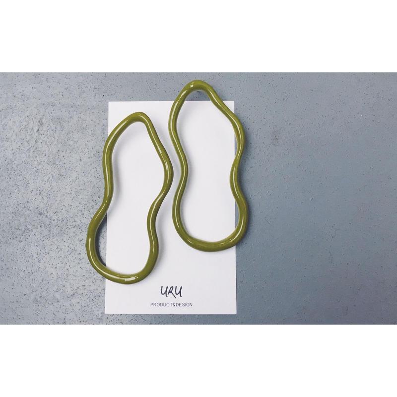Uneven Oval Earrings(pistachio green)